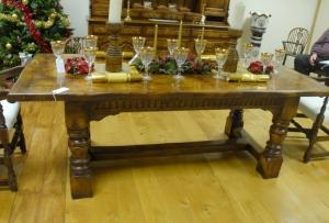 table de réfectoire à la main abbaye en chêne sculpté
