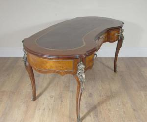 Fransk Walnut Empire Kidney Desk Writing Table