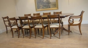 10 Ft Regency Pedestal Dining Table & Set 8 Stoelen