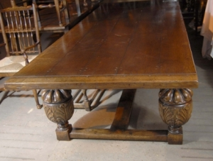 http://www.canonburyantiques.com/pages/subcat_page.php?titlecat=&idp=&titlesbcat=REFECTORY%20TABLES