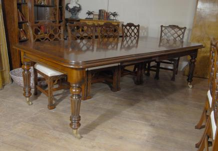 9 ft English Victorian Mahogany Dining Table
