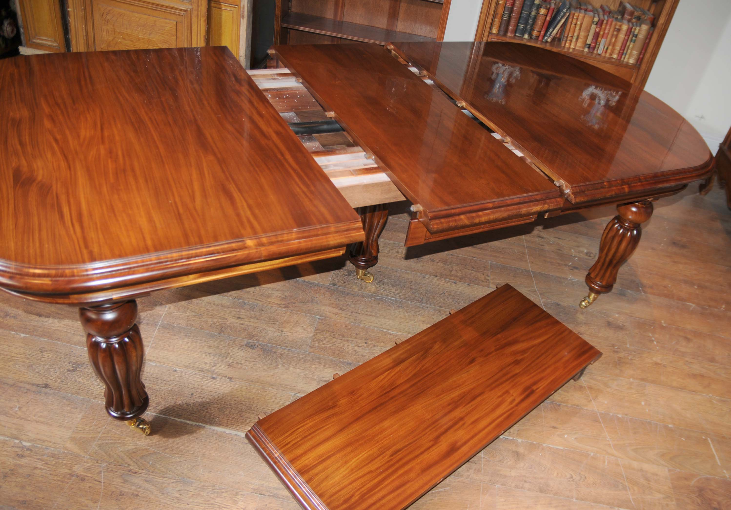 How To Set Up A Victorian Dining Table With Leaves