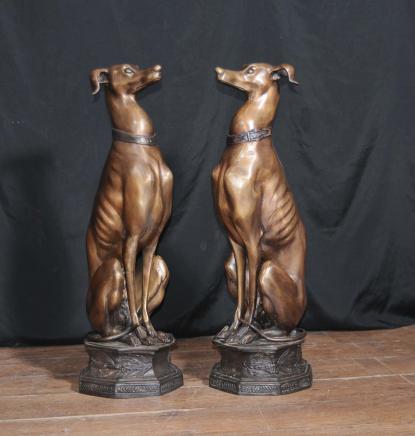 Paire de grands lévriers Art Déco Bronze Statues Chiens casting