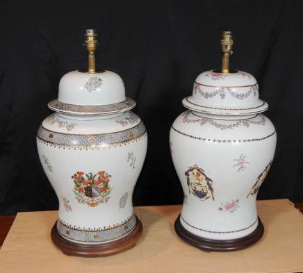 Paire de table en porcelaine française Lampes Lumières peinte à la main