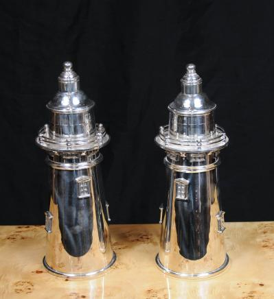 Silver Plate paire phare Cocktail Shakers Drink Faire Light House