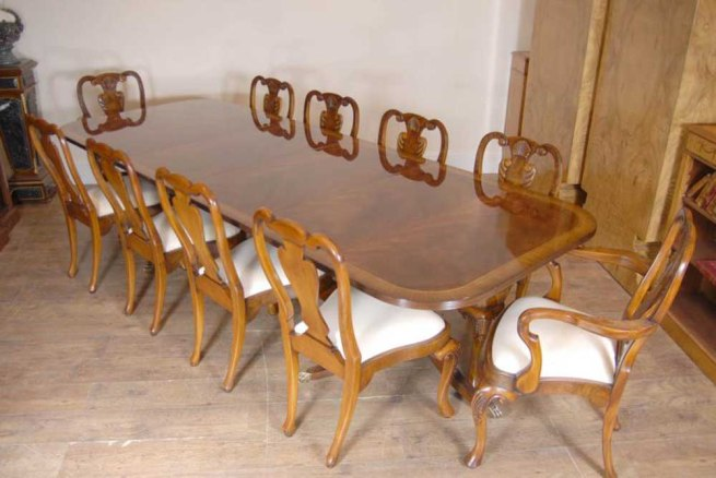 Regency Table & Set Queen Anne Dining Chairs