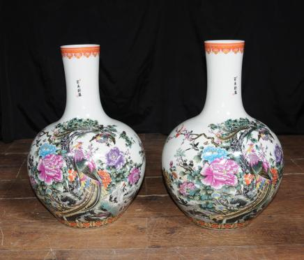 Pair Chinese Kangxi Porcelain Vases Pheasant Urns China Ceramic