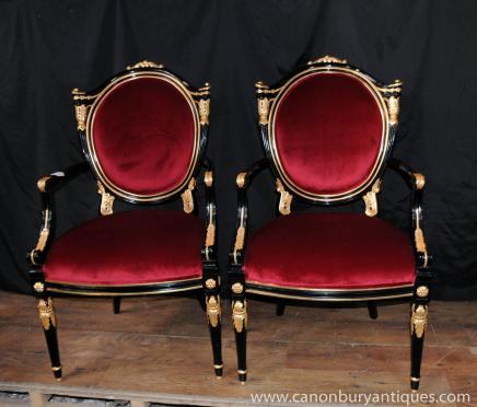Paire de George II Noir Laque fauteuils Fauteuils