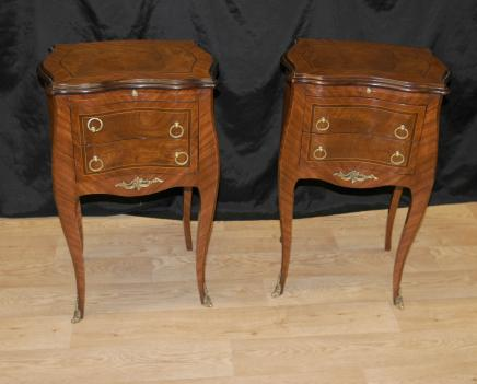 Paire Noyer victorienne Tables de chevet tiroirs Commode de chevet