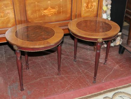Paire Regency Side Cocktail Tables Noyer Bois de rose