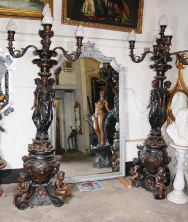 Paire XL Bronze Maiden Lumières Lampes torchères candélabres architecturaux