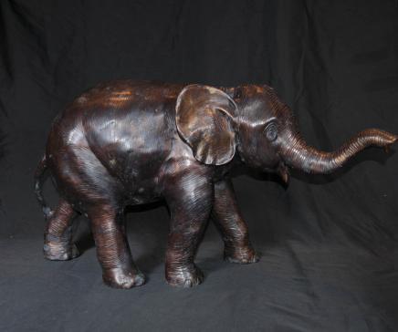 大型青铜铸造雕像部落艺术的非洲象动物
