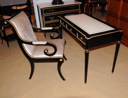 Regency черным лаком Письменный стол Набор стульев