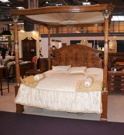 Regency Walnut Queen Size Four Poster Bed Bedroom Furniture