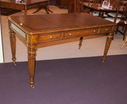Victorian Regency Gillows Desk Writing Table Walnut Furniture