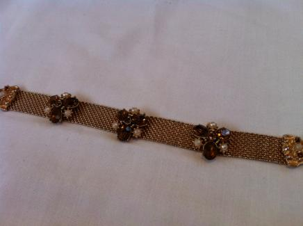 Gold Tone Mesh Effect Bracelet with Rhinestone Flowers