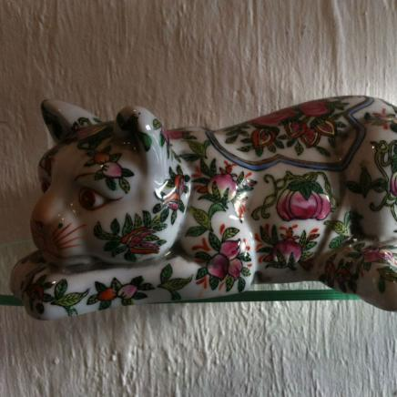 Large Cantonese Porcelain Ceramic Cat