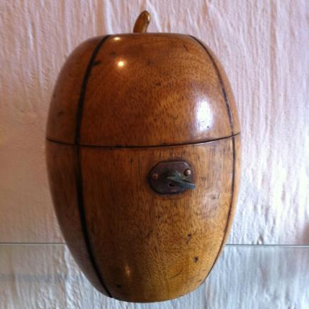 Melon Fruitwood Tead Caddy