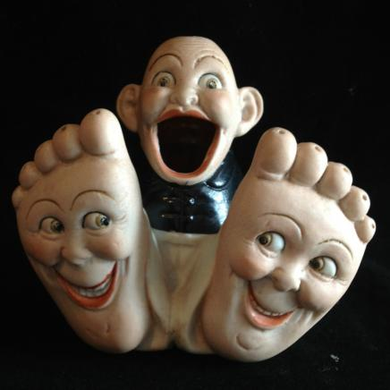 Porcelain Novelty Ash Tray 'Happy Feet'