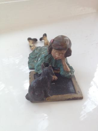 Little Girl with Chalk Board Geshutz Bronze