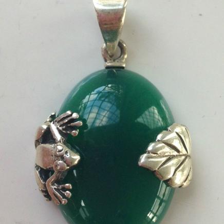 Silver & Jade Frog Leaf Pendant