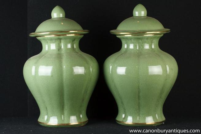 Pair Qing Chinese Porcelain Baluster Urns Vases Ginger Jars China Ceramic
