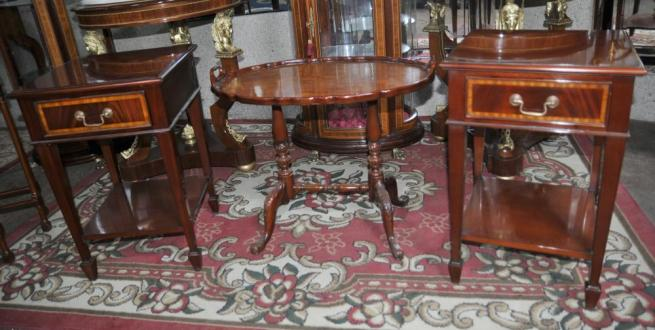 Pair Regency Mahogany Side Tables Nightstands Bedside Chests Table