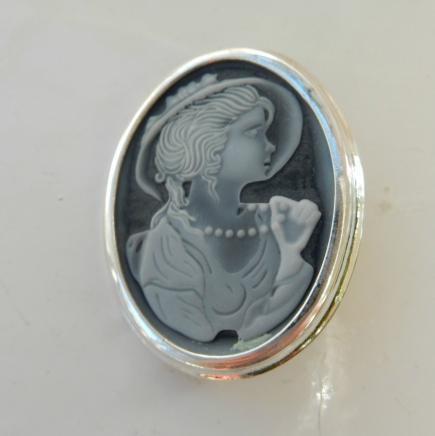 Solid Silver Cameo Brooch
