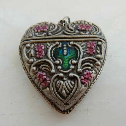 Solid Silver Heart Shaped Vesta