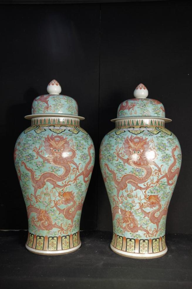 Pair Big Chinese Qianlong Porcelain Dragon Urns Vases Ginger Jars