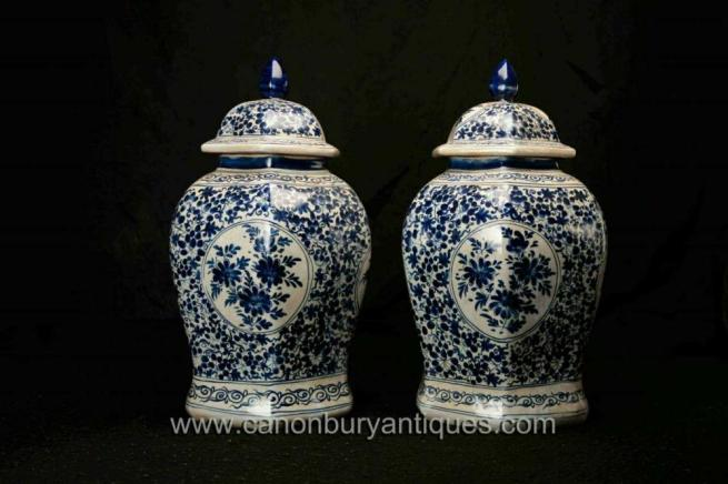 Pair Blue and White Chinese Ming Porcelain Lidded Urns Vases Jars