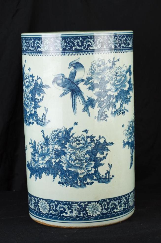Blue and White Porcelain Umbrella Stand Nanking Urn Vase