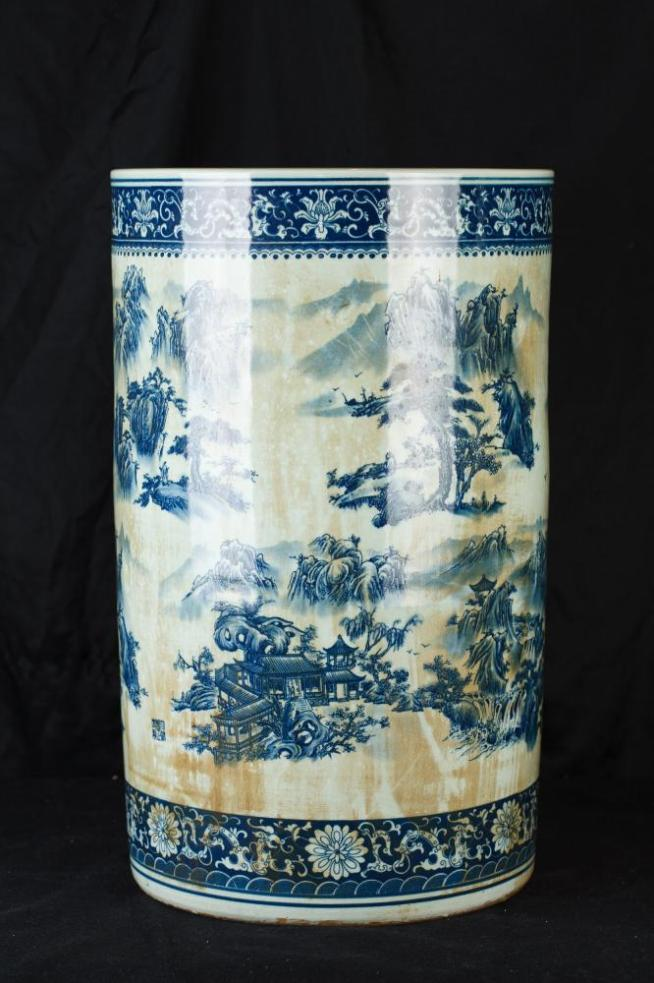 Chinese Blue and White Nanking Porcelain Umbrella Stand Urn Vase