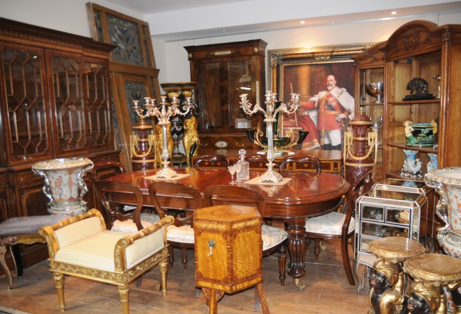Canonbury-Antiques-Showroom