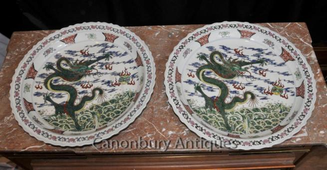 Pair Chinese Qianlong Porcelain Dragon Plates Plaques Ceramic China