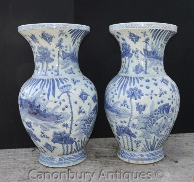 Pair Chinese Kangxi Blue and White Porcelain Bulbous Vases Urns