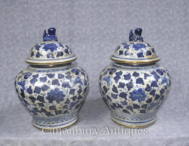 Pair Blue and White Chinese Porcelain Lidded Urns Vases Jars Pots Kangxi