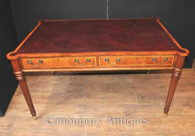 Sheraton Desk in Walnut Writing Table English Furniture