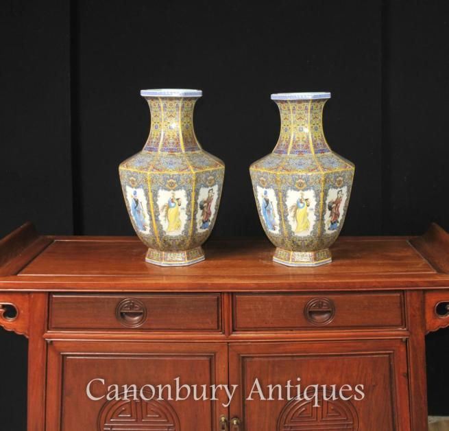 Pair Chinese Imari Porcelain Vases Urns Octagonal Form