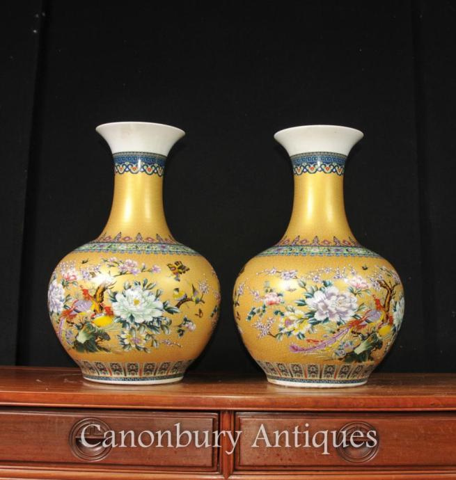Pair Chinese Kangzi Bulbous Vases Urns Famille Verte