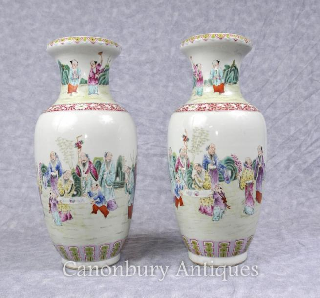 Pair Chinese Wucai Porcelain Vases Urns China Figurines Ceramic