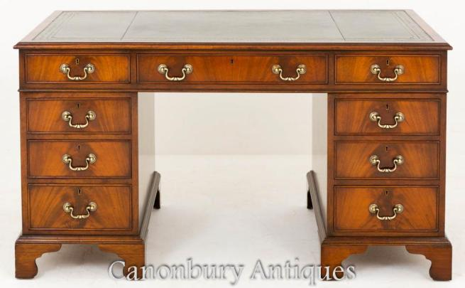Mahogany Georgian Pedestal Desk Knee Hole