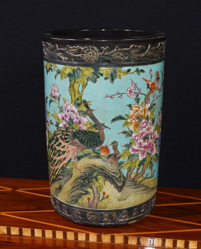 Famile Jaune Japanese Porcelain Umbrella Stand Vase Urn